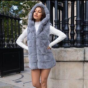 Sleeveless Faux Fur Hooded Coat